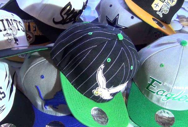 разные кепки