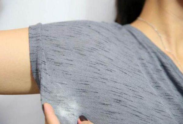 пятна от дезодоранта на одежде