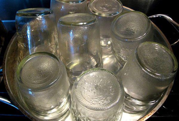 Стерилизация банок в кипящей воде