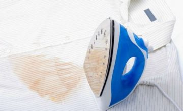Как можно отстирать след от утюга с белой, цветной и черной одежды?