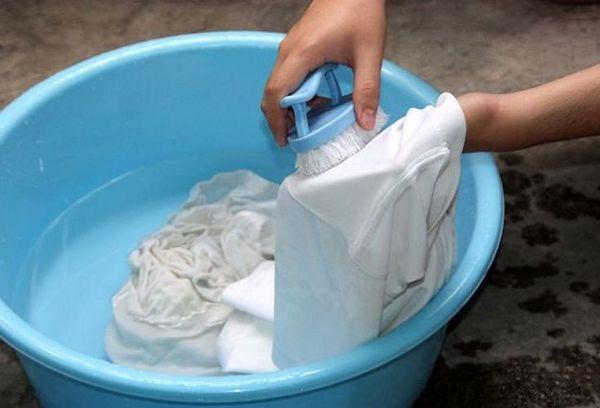 стирка одежды и чистка щеткой