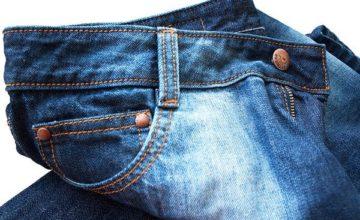 Можно ли избавиться от жирного следа на джинсах в домашних условиях