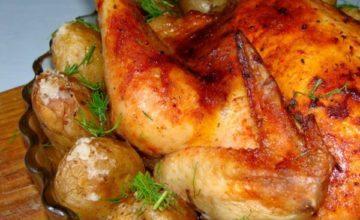 Как запечь курицу с картошкой в духовке