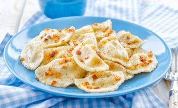 Как приготовить вкусные домашние вареники с картошкой и грибами