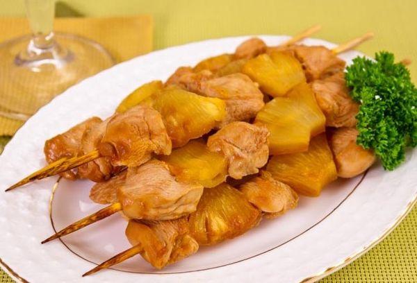 Курино-ананасовый шашлык