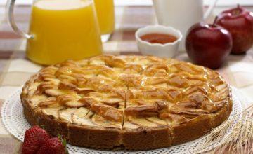 Как приготовить тесто для шарлотки с яблоками