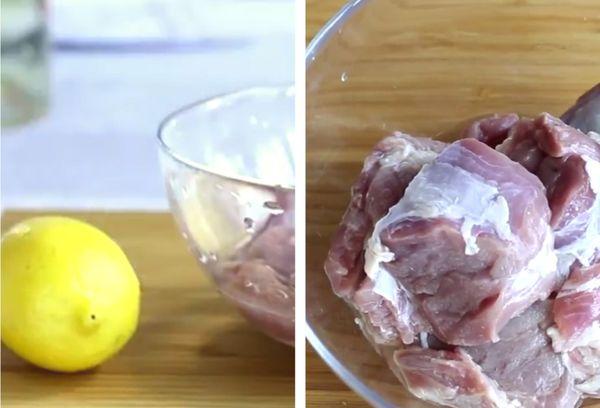 Удаление запаха с мяса лимонным соком