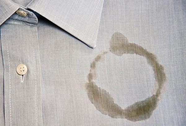 Пятно от жира на рубашке