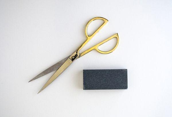 Ножницы и точилка