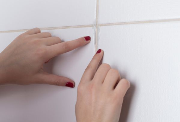 Чем почистить швы между плиткой в ванной в домашних условиях