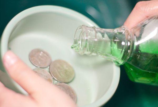 средство для мытья посуды для чистки монет