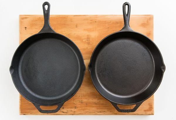 Две сковородки