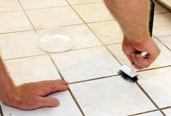 Очищение плитки от грибка