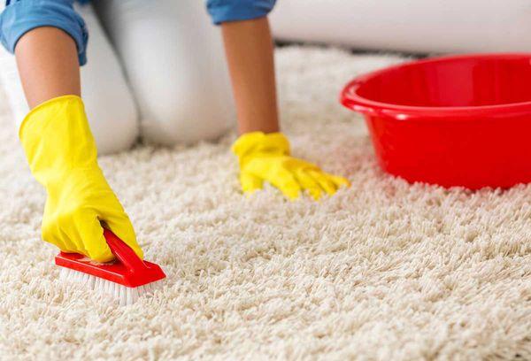 Загрязнения на ковре