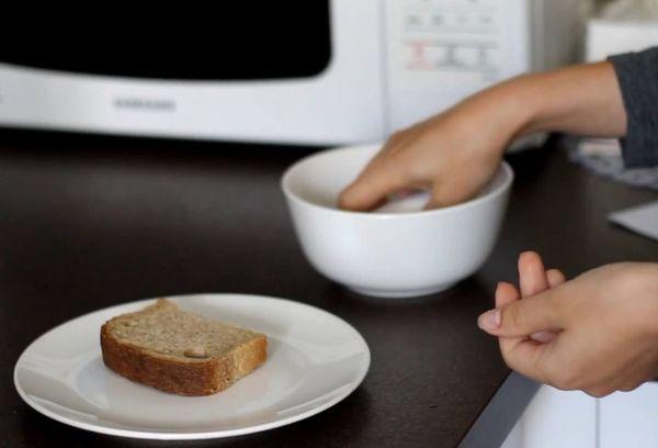 Размягчение хлеба в микроволновке