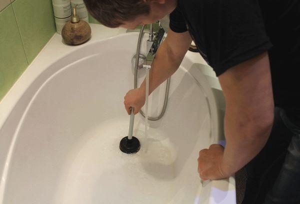 Прочистка сантехники и труб