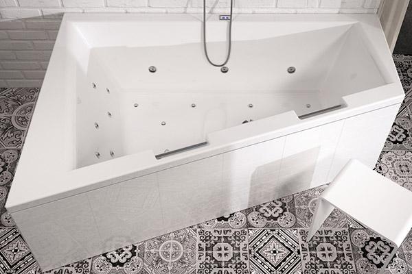 Акриловая ванна нестандартной формы