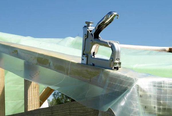 Ручной мебельный степлер
