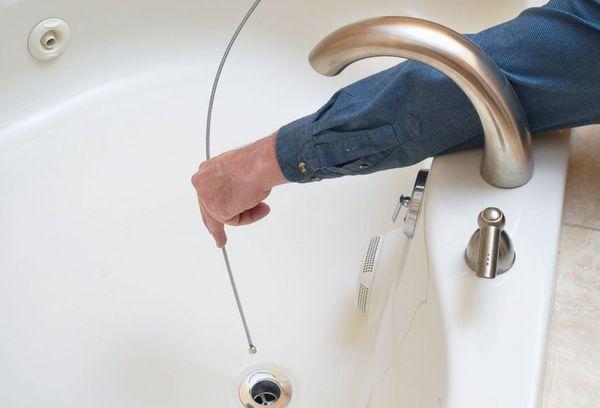 Чистка ванны тросом