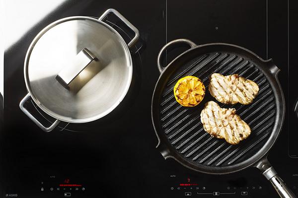 Приготовление пищи на стеклокерамической плите