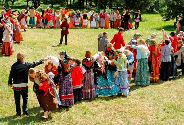 Народные обряды на Красную горку