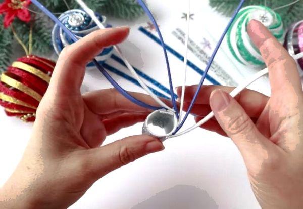 Как сделать поделку елочный шар из фоамирана своми руками