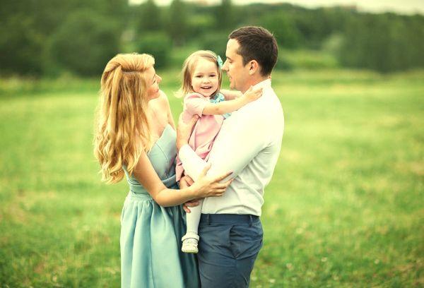 Мама папа и ребенок