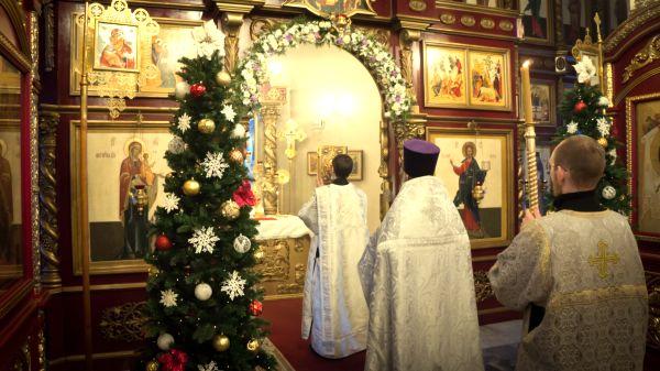 Праздничная служба в храме
